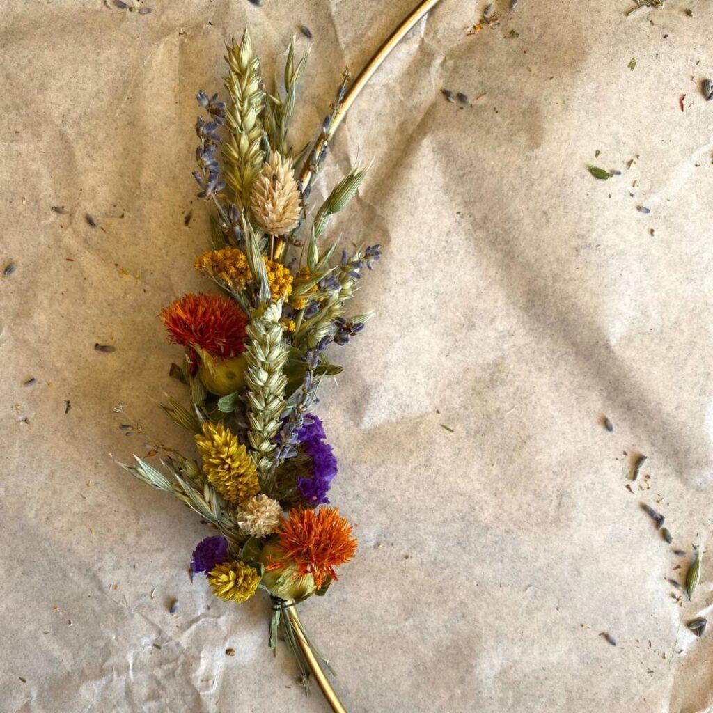 Boho-Kranz aus Trockenblumen - Erklärung der Bindung