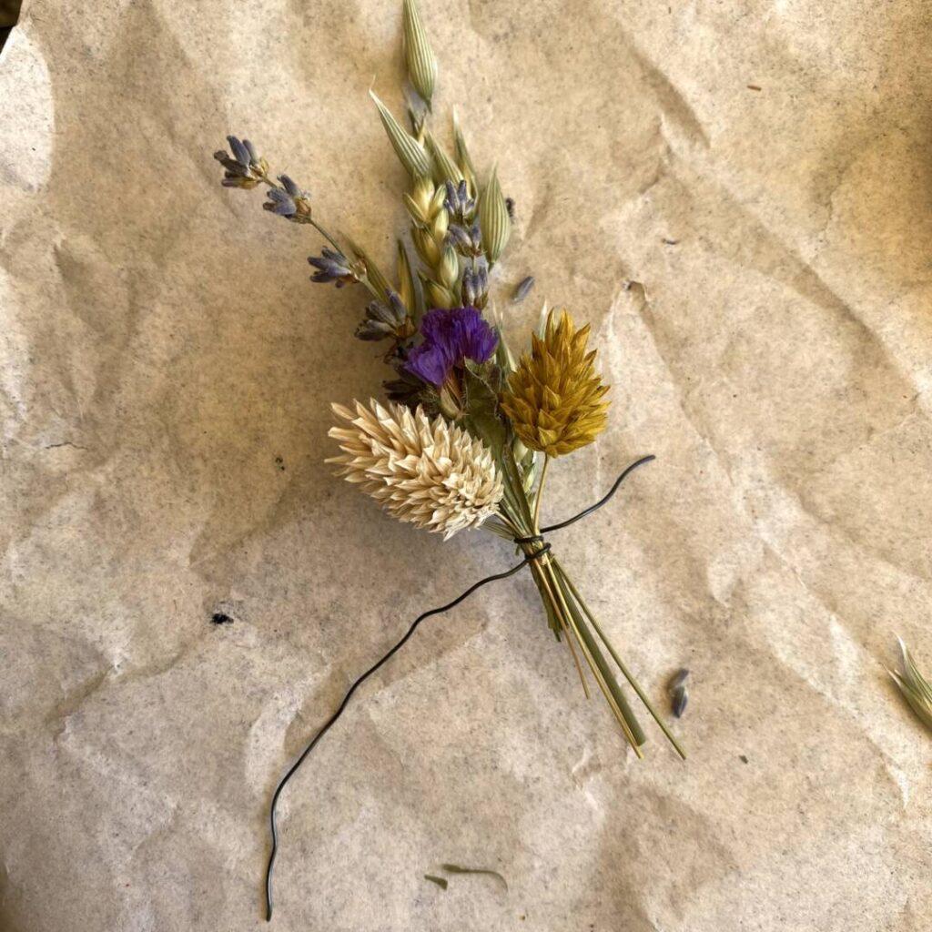 Boho-Kranz aus Trockenblumen - Erklärung